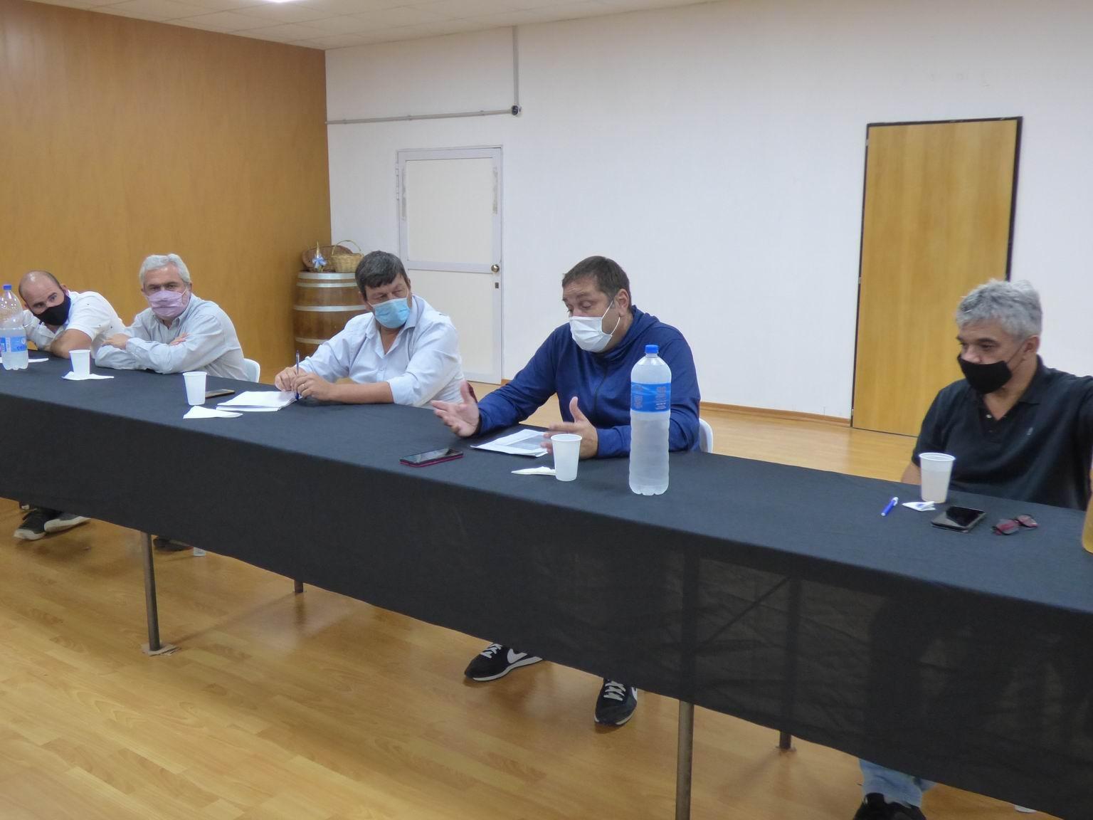 """Almudévar se reunió con clubes de la zona sur de la Liga Cultural: """"Los protocolos deben respetarse al cien por cien"""""""