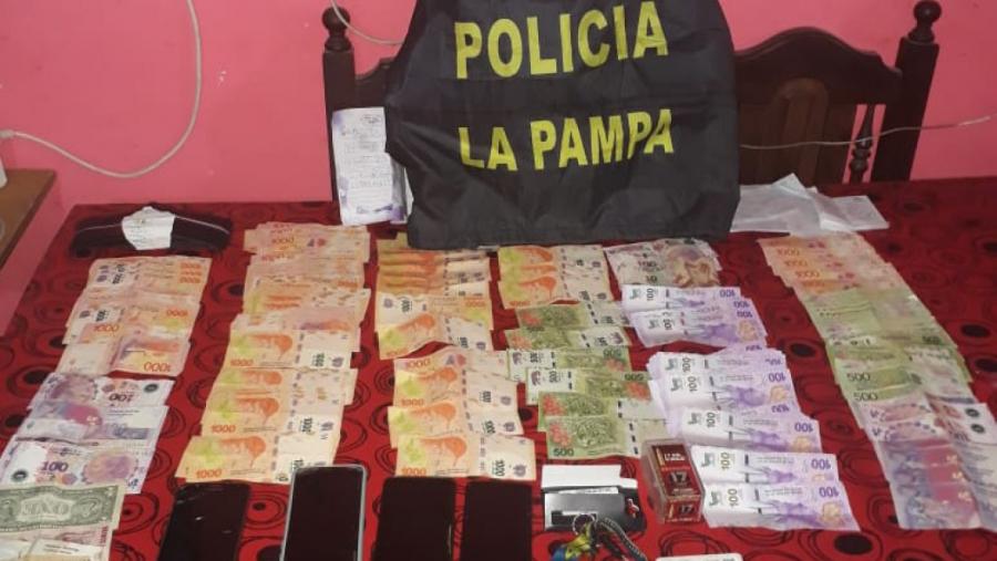 Ingresó a La Pampa con $ 3,5 millones en droga fue atrapado y días después la policía desarticuló la banda que traficaba desde Buenos Aires a esta provincia