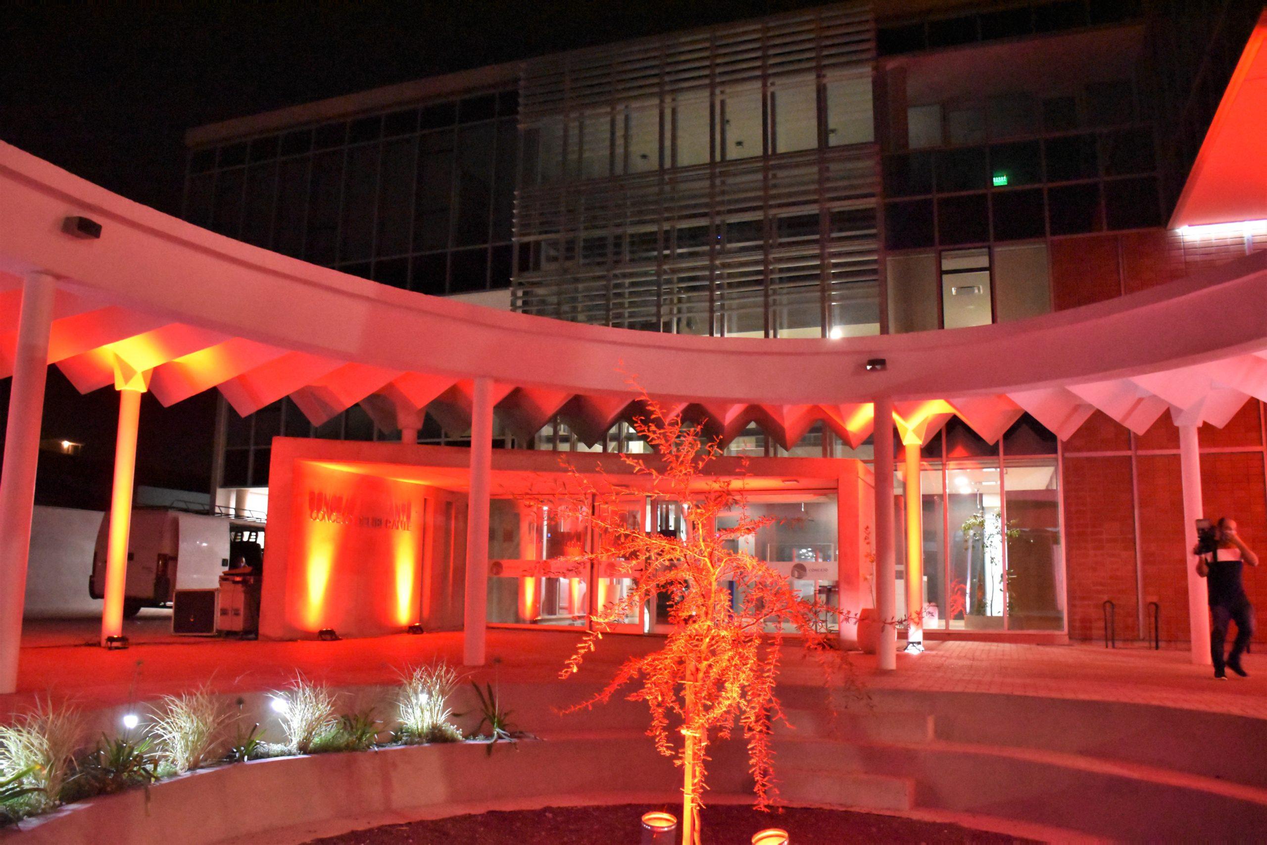 El Concejo Deliberante se iluminó de rojo por el Día Mundial de la Hemofilia