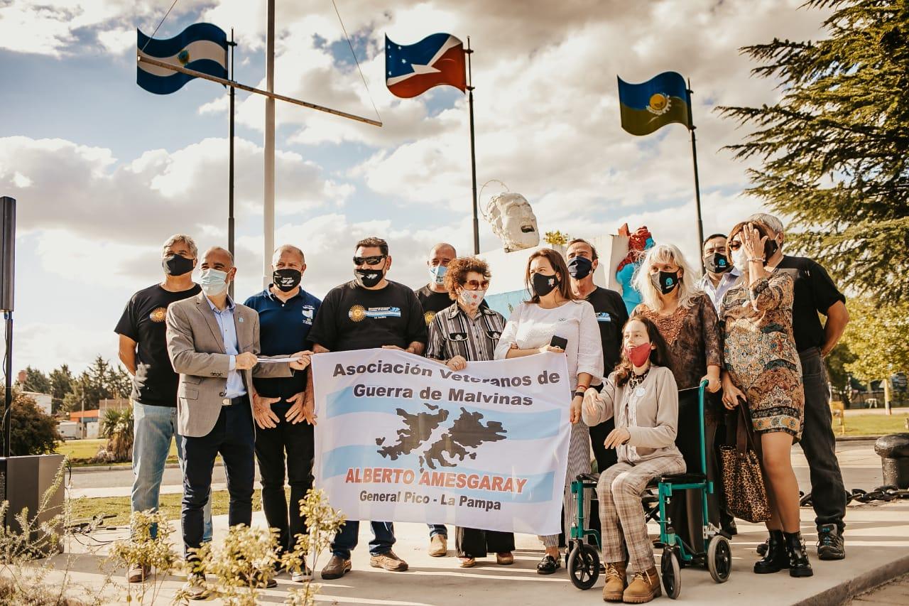 """Homenaje a los héroes de Malvinas en la """"Plazoleta de los Caídos"""": """"Nuestra tarea es continuar reclamando nuestro derecho de soberanía sobre las Islas"""""""