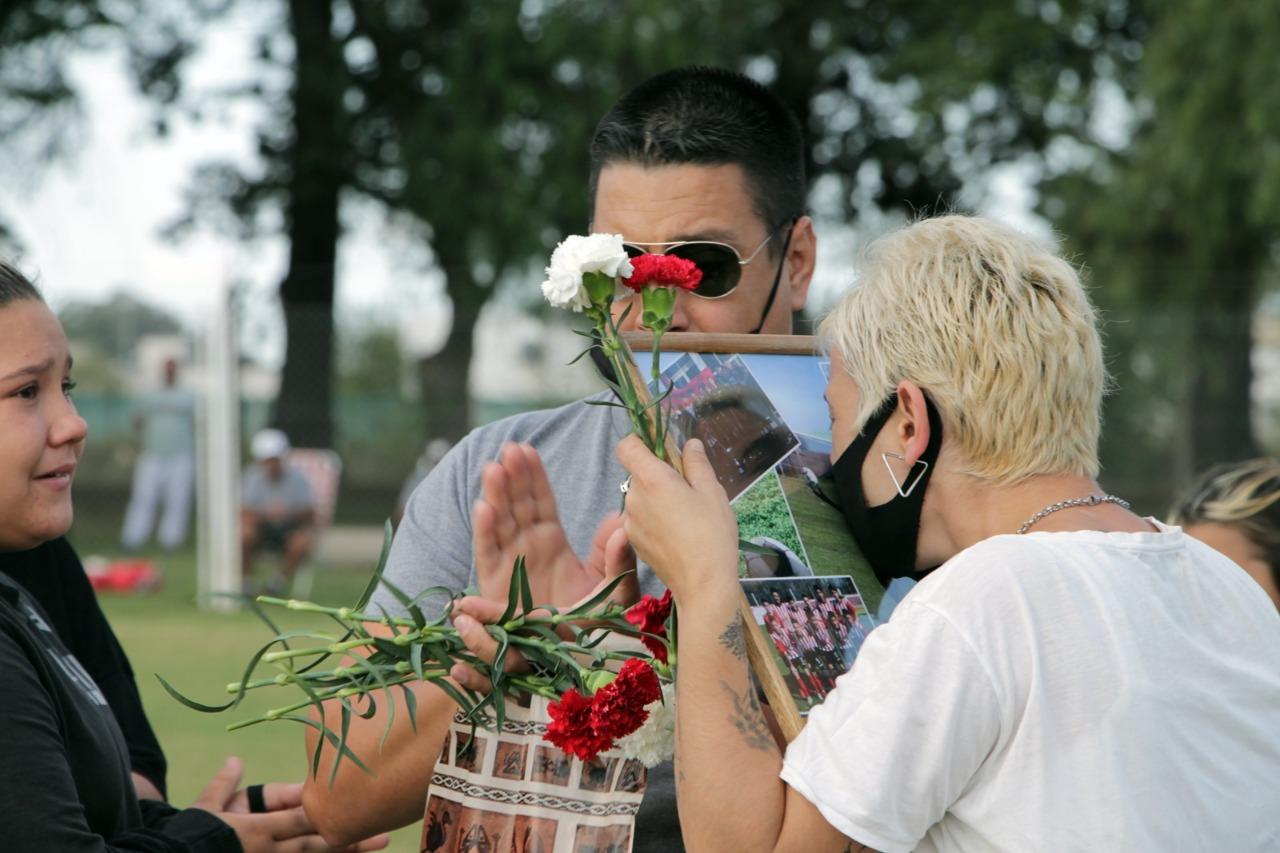 Emotivo y conmovedor homenaje a la memoria de Emi Galli Marín en cancha de Costa Brava