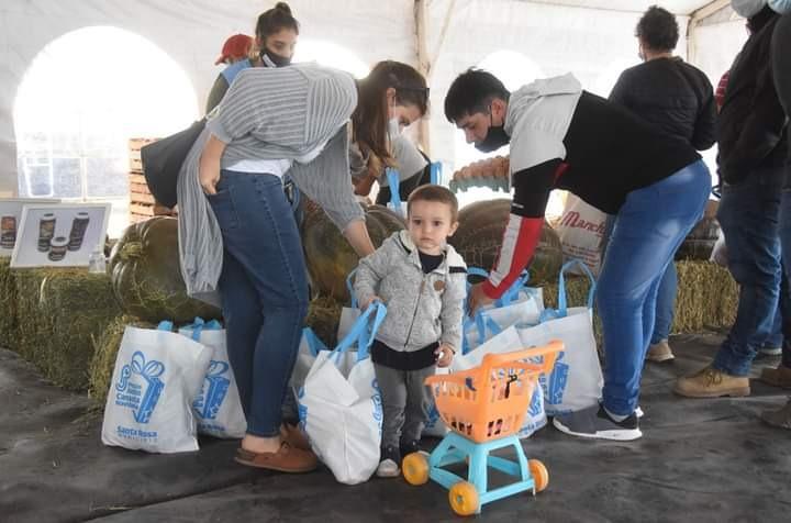 Productores del oeste pampeano vendieron más de 4 toneladas de hortalizas en Santa Rosa
