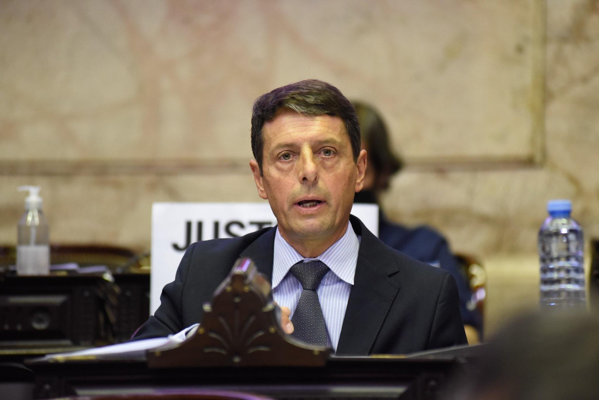 Rauschenberger aseguró que en el presupuesto 2017 estaba contemplado el acueducto a Pico pero que Macri castigó a la sociedad pampeana