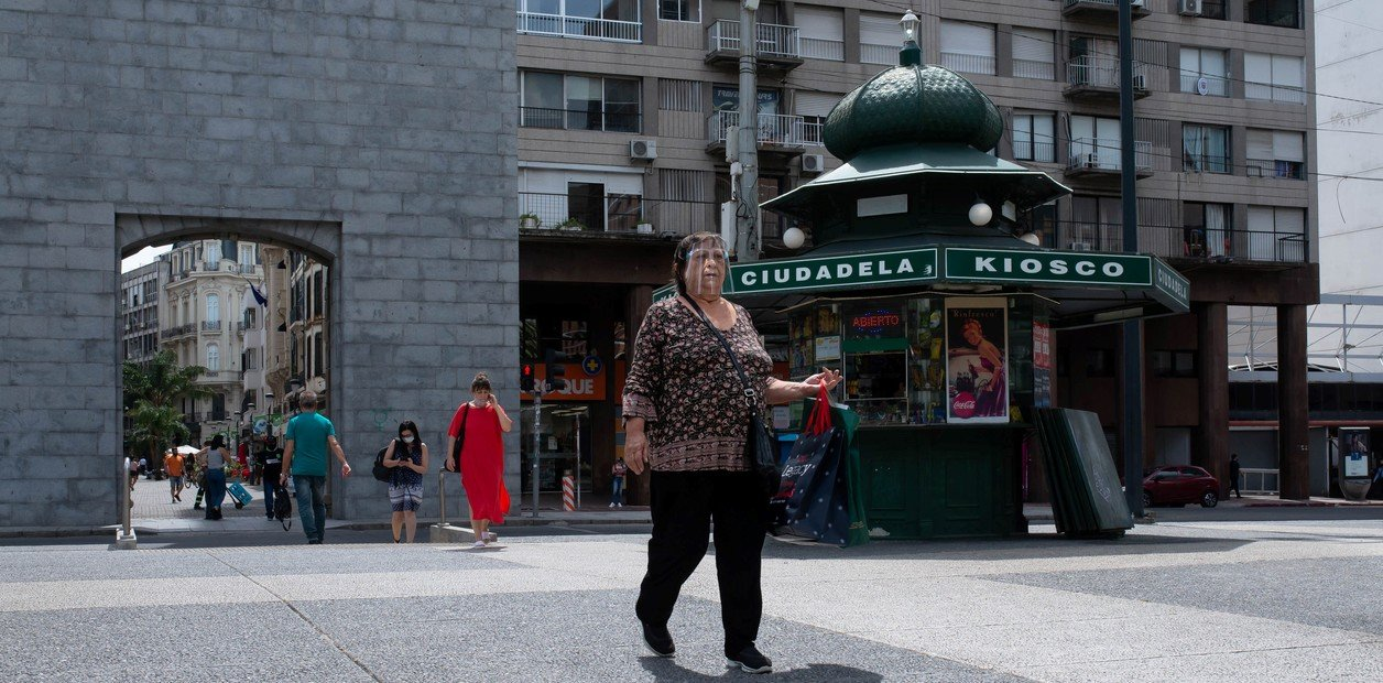 Segunda ola de Coronavirus: Uruguay evalúa castigar con hasta dos años de prisión la violación de la cuarentena