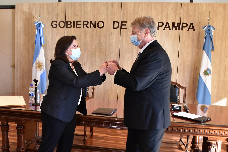 Asumió Fernanda González como ministra de la Producción y afirmó que «será la continuidad de un proyecto de Provincia trazado por el Gobernador»