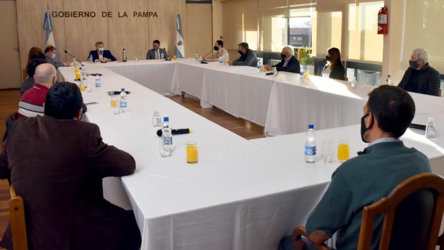 Nuevas medidas de ayuda financiera para sectores productivos en La Pampa