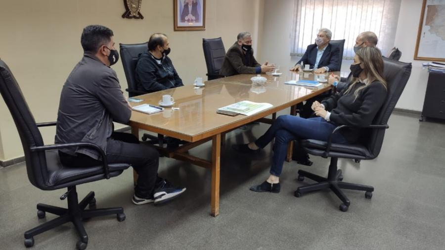 El presidente del IPAV se reunió con arquitectos para avanzar en la contratación profesional