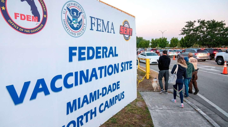 Miami: los argentinos pagan hasta $300.000 por visitar el destino donde vacunan gratis en la playa
