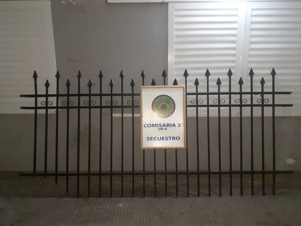 General Pico: robó la reja en una vivienda, la publicó en internet para vender y la policía lo atrapó