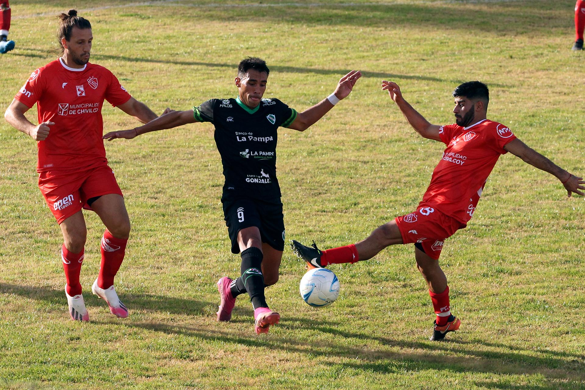 """Ferro empató en cero ante Independiente de Chivilcoy en """"El Coloso"""" de barrio Talleres"""