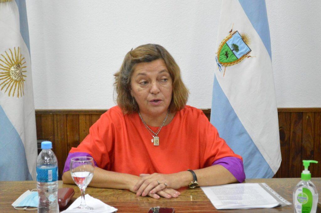 Colonia Barón: La intendenta manifestó que la segunda ola está afectando en su mayoría a gente joven y dijo que por el momento cuatro adultos permanecen internados