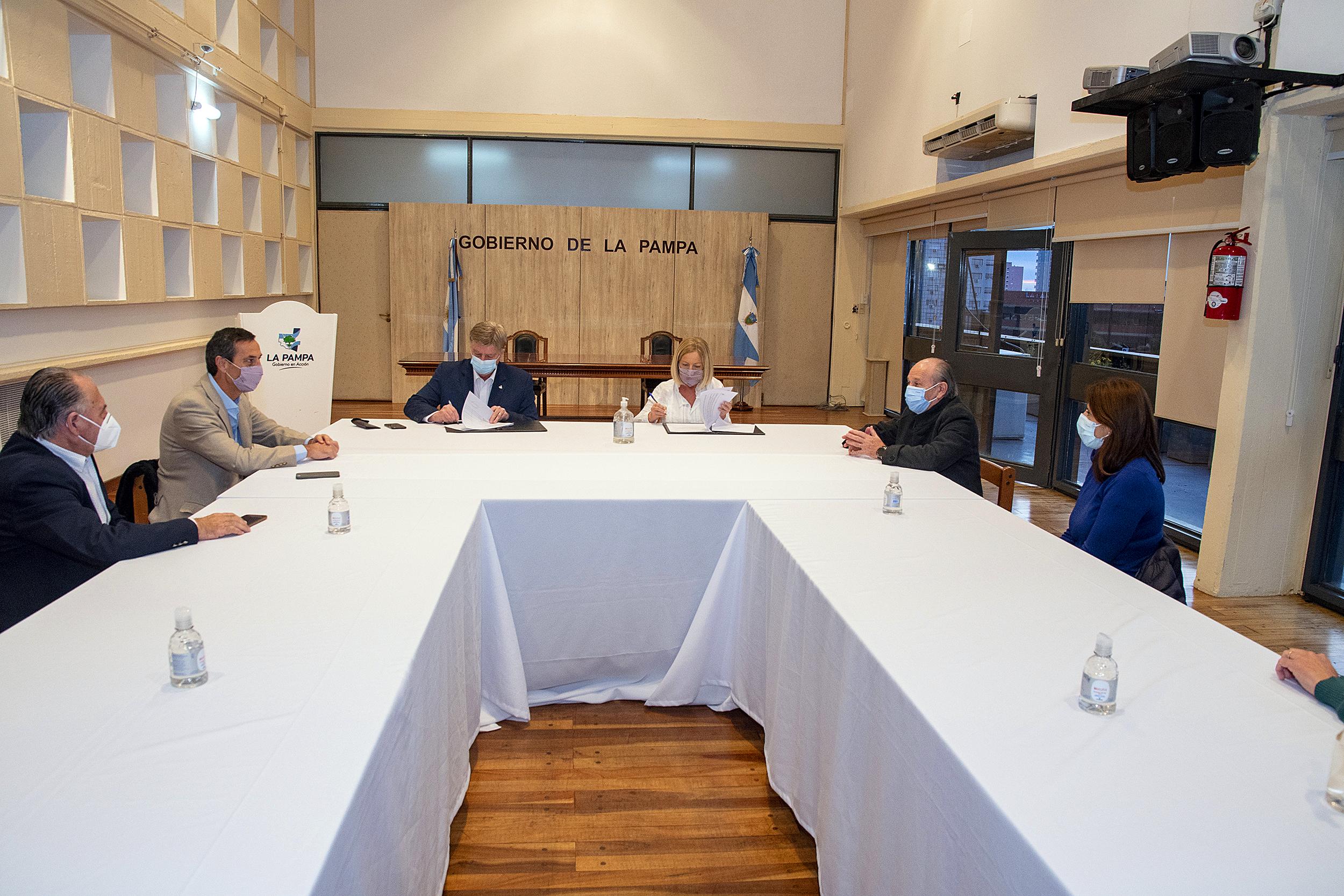 El Tribunal de Cuentas controlará el sistema de vacunación COVID en La Pampa