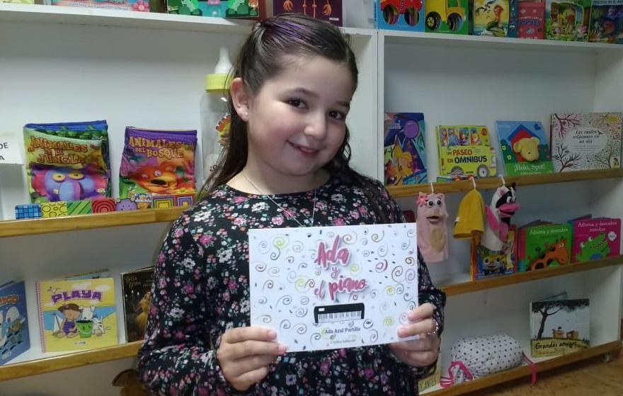 Día del Escritor en General Pico: La pequeña Ada Azul Portillo habló de su pasión por la escritura