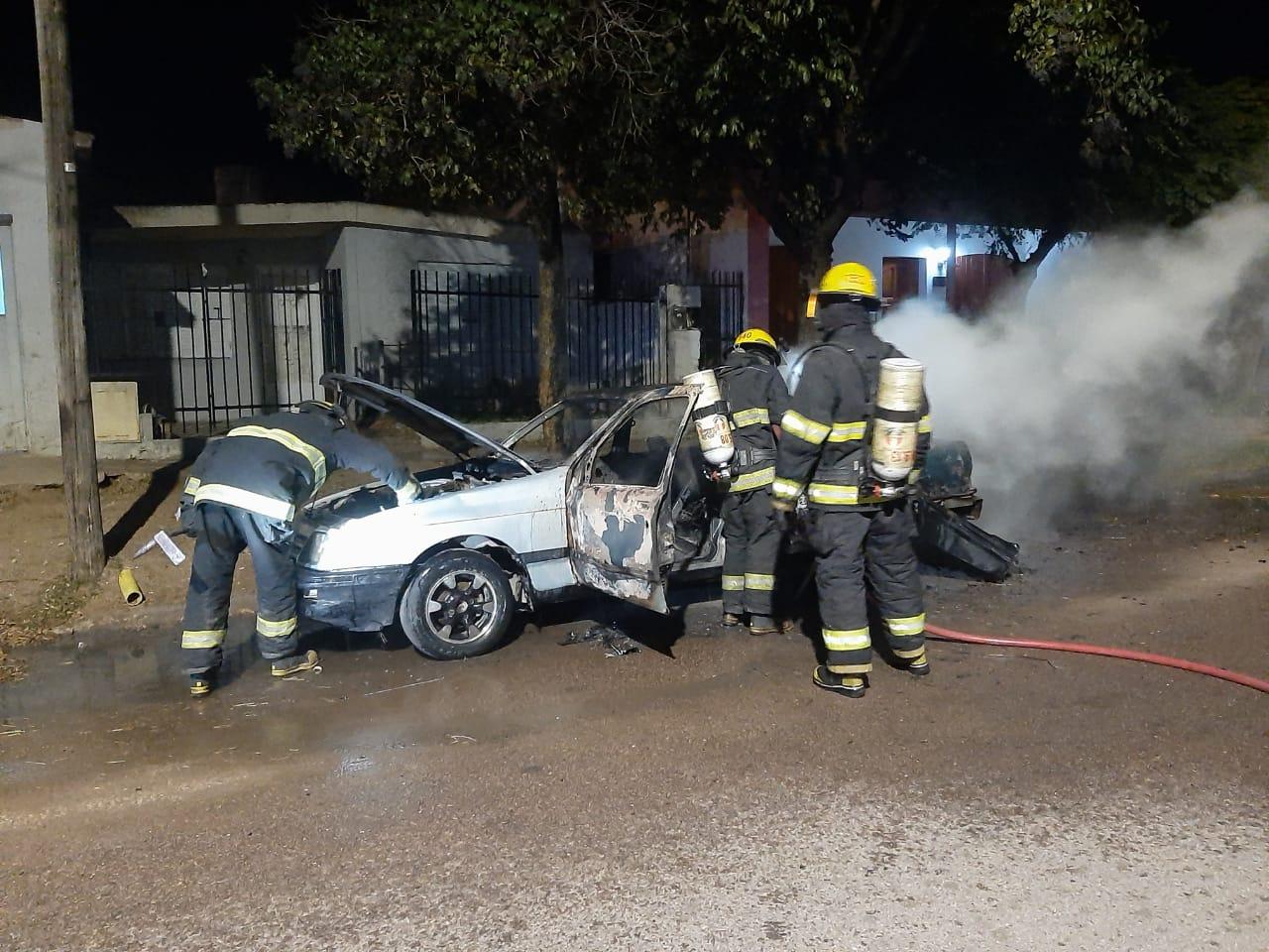La Brigada detuvo al presunto autor de dos incendios de autos ocurridos recientemente en General Pico