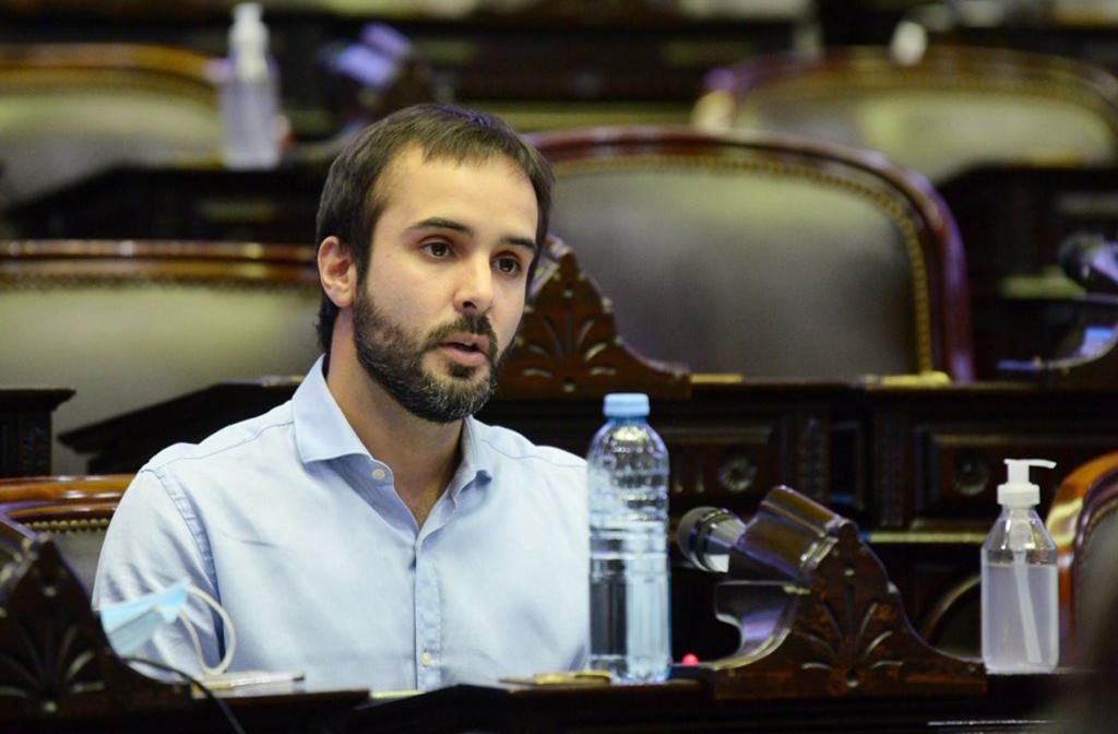 Maquieyra pidió eximir de las cargas sociales a los comerciantes, gastronómicos y gimnasios