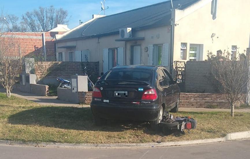 Fuerte choque en barrio Federal: Dos menores fueron asistidos y trasladados al Hospital