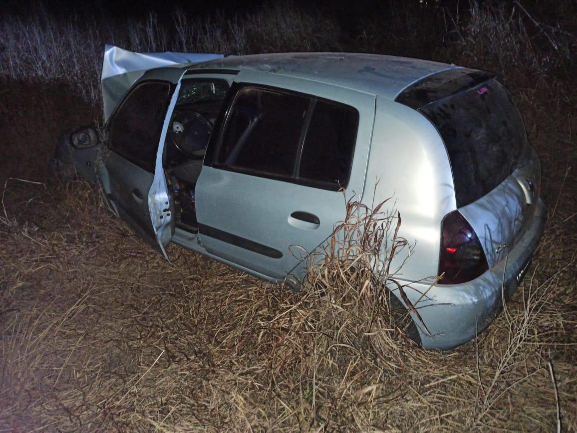 Una joven resultó lesionada tras despistarse un auto en cercanías de Trenel