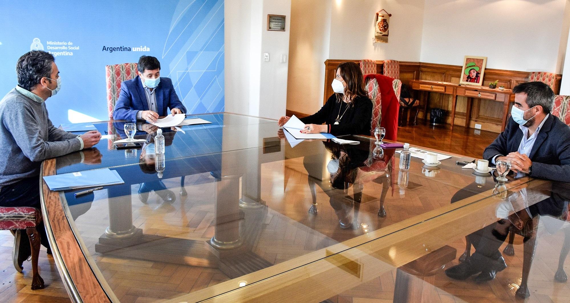 El Municipio firmó un convenio con el Ministerio de Desarrollo Social de la Nación para construir el Centro de Desarrollo Infantil en barrio Bicentenario