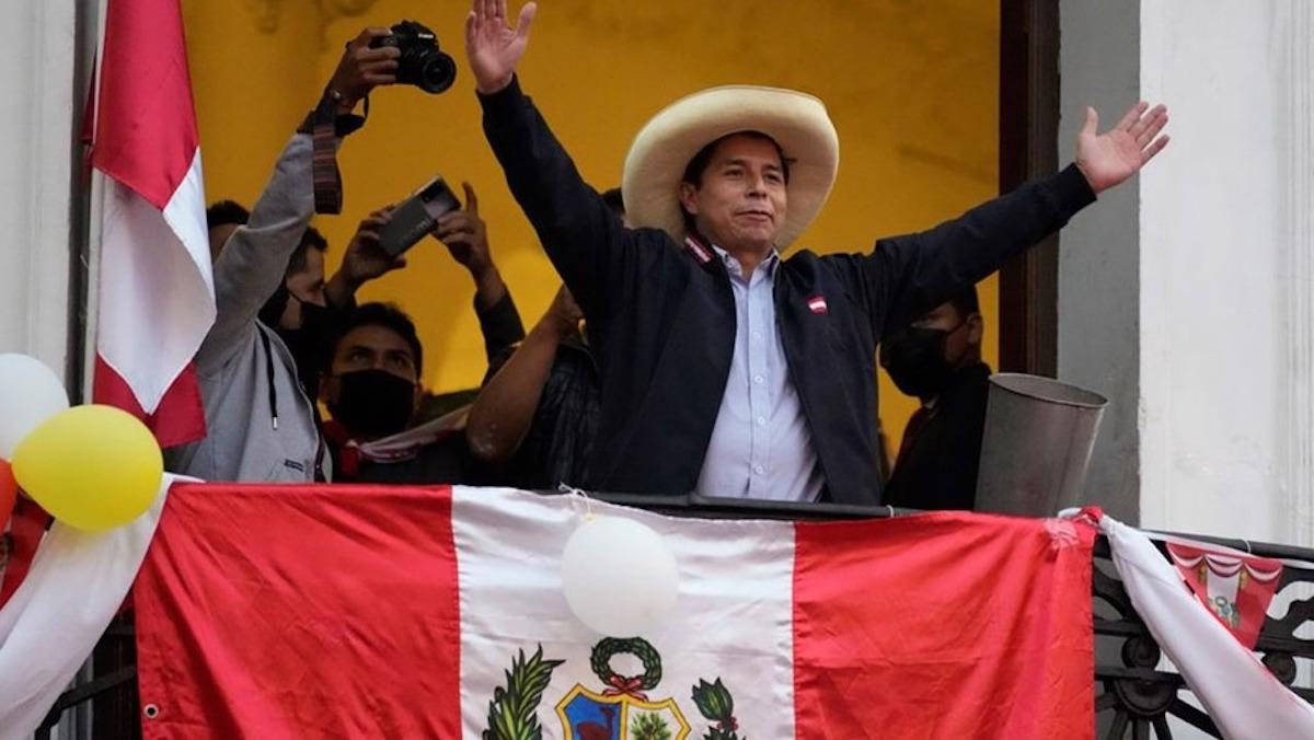 Perú: Castillo anunció que renunciará al sueldo de presidente y cobrará como un maestro