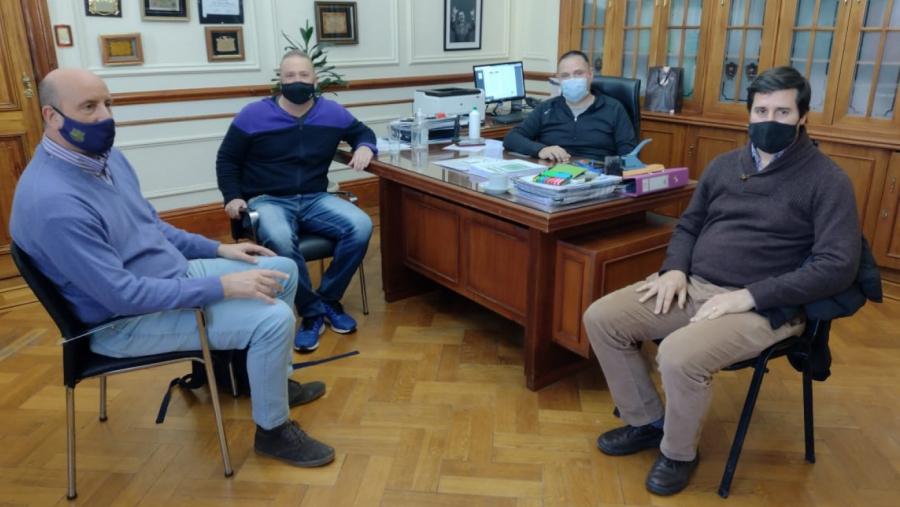 Almudevar realizó gestiones ante la Confederación Argentina de Basquetbol para fortalecer ese deporte en La Pampa