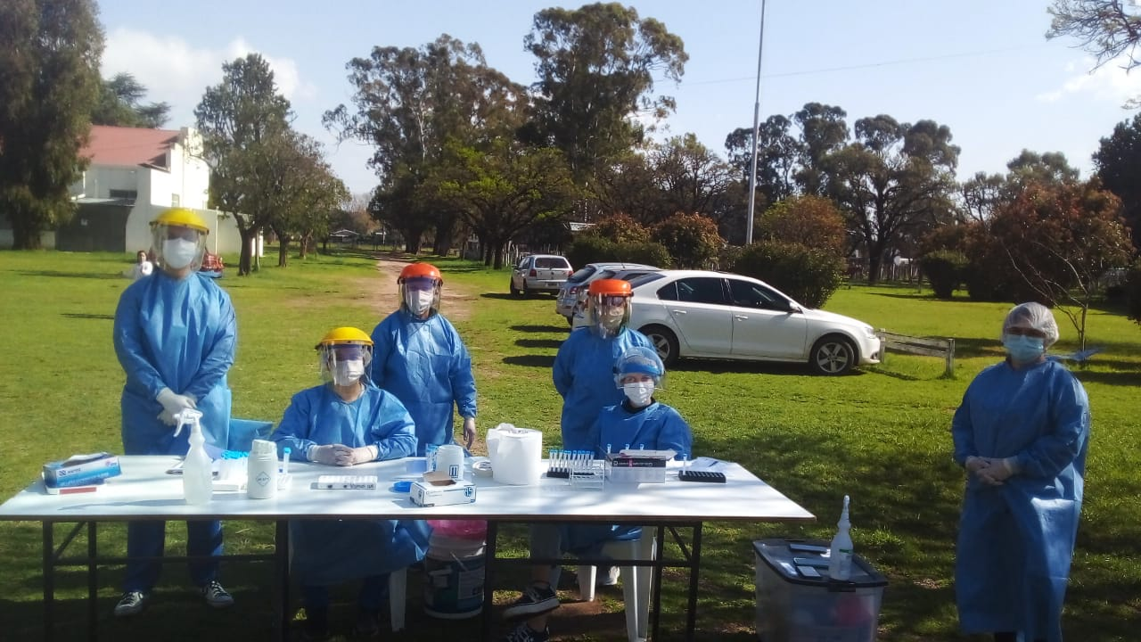 Salud no para en pleno día electoral: Vacunación, búsqueda activa y testeos rápidos