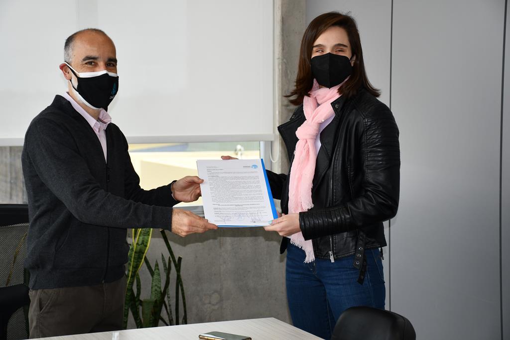 Anita Pellitero visitó el Concejo Deliberante y le entregaron la resolución donde declararon de interés su participación en Tokio