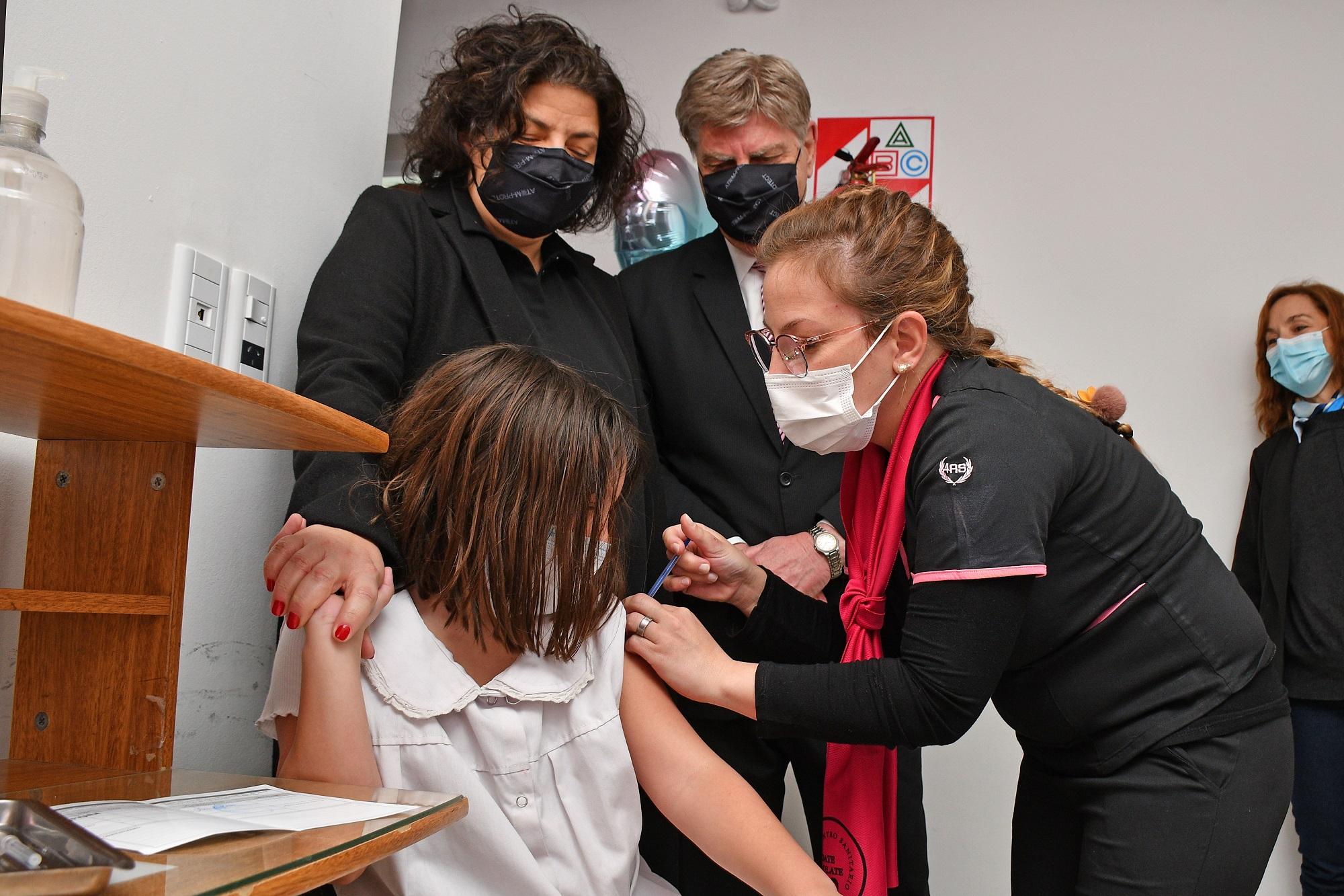 """""""No es casualidad, es reconocimiento"""" dijo Vizzotti al visitar La Pampa para lanzar la vacunación de niños y niñas"""